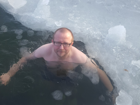 I am winter bathing in the frozen sea